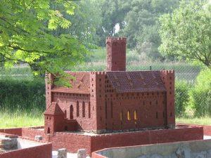 Nachbildung der Deutschordensburg in Rehden (Radzyń Chełmiński) - Teil der Sammlung mit Burgmodellen in Chełmno