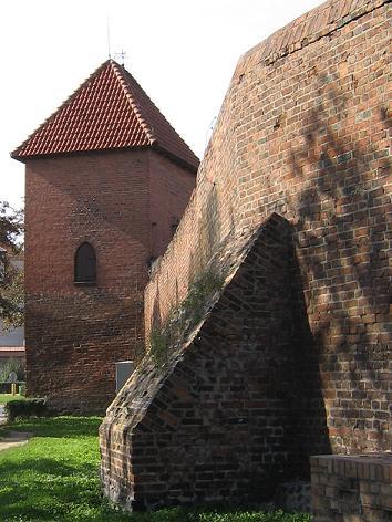 Stadtmauer und Jungfrauenturm